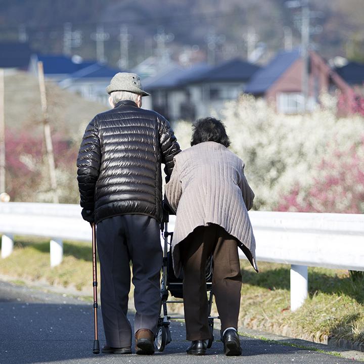 日本は高齢化がすすんでいる